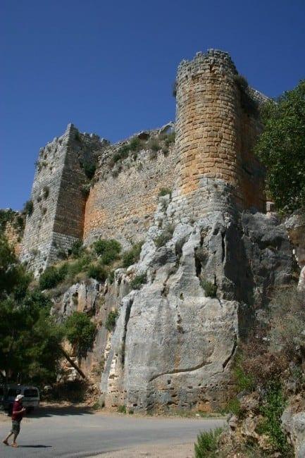 מצודת צלאח א-דין בסוריה.  האם כך נראתה מצודת הנמל של אשדוד ים?