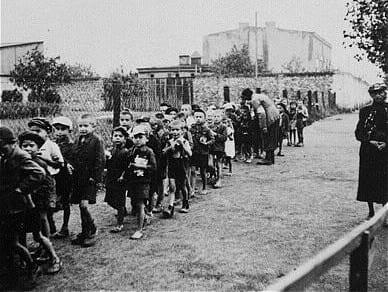 Children_headed_for_deportation
