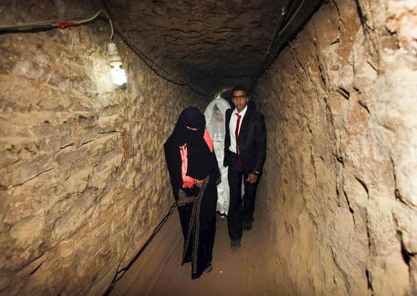 bride-to-be-smuggled-through-gaza-tunnels-underground_65758_600x450