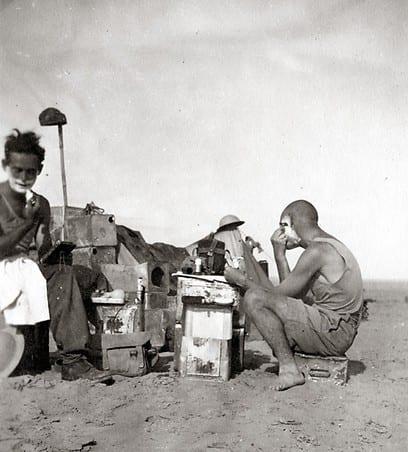 חיילים עבריים במדבר באפריקה 1942