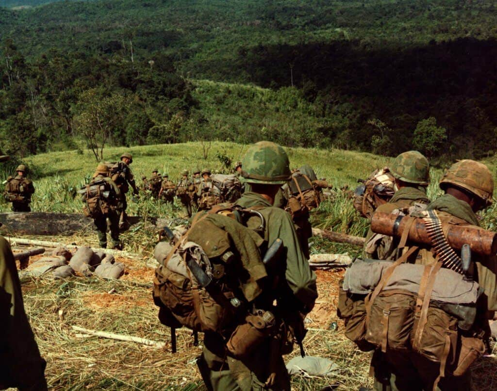 8th_Infantry_Rgt._descending_Hill_742_during_Operation_MacArthur_1967-11